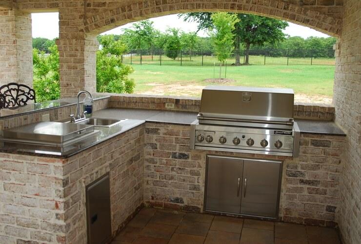 Copy of brick-outdoor-kitchen-designs-l-3c5bf6465bf9e3b6 ...